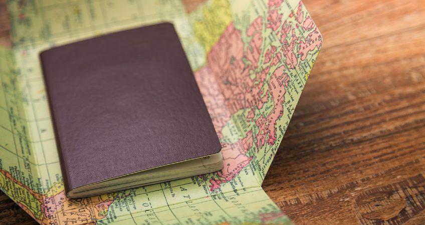 Se prorrogan todos los permisos de residencia y visados